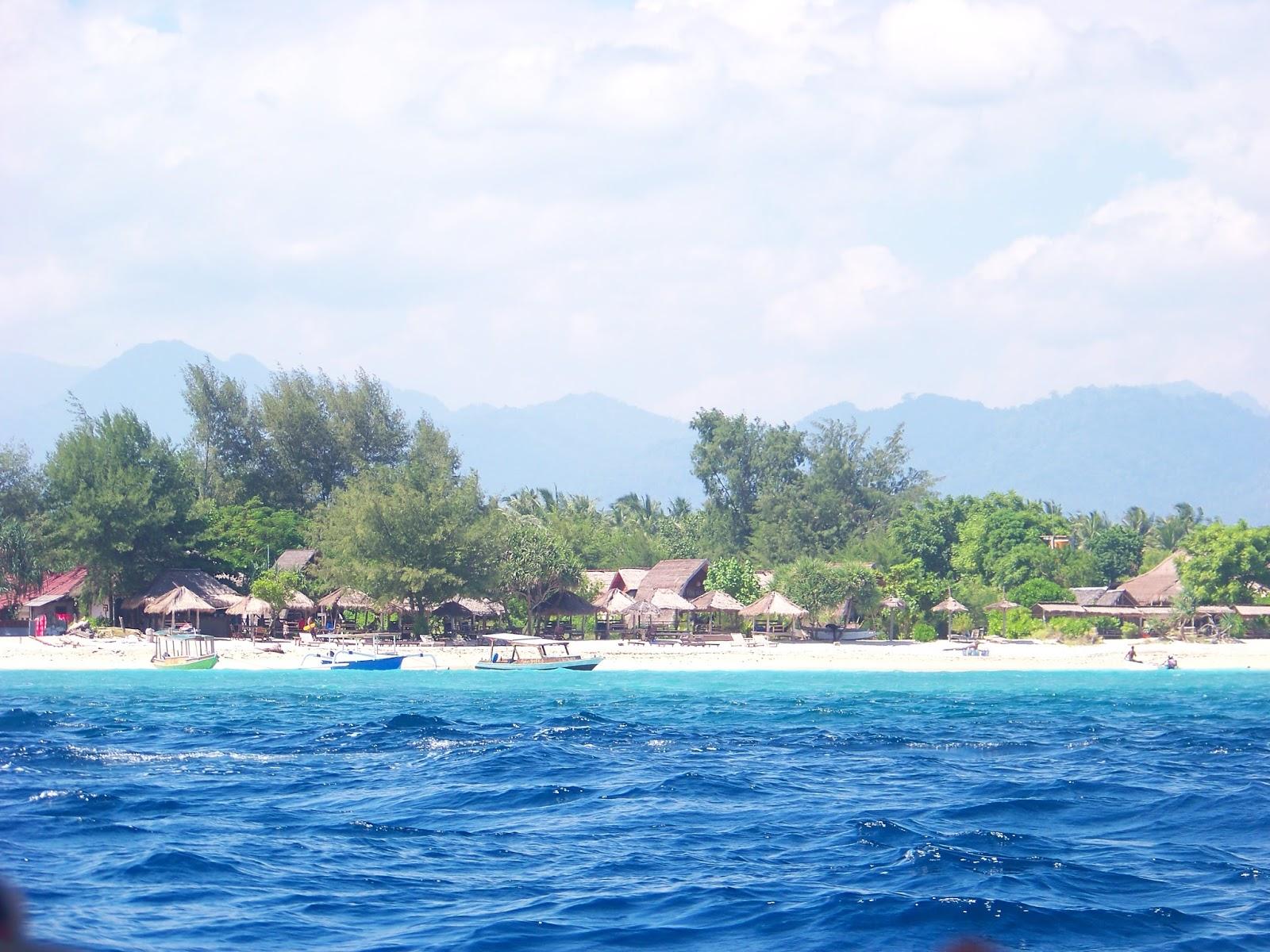 travelling ke lombok dengan PEGIPEGI 7